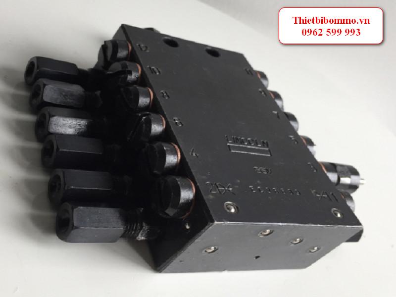 Máy phân phối mỡ tự động SSV12 cho hệ thống bôi trơn tập trung
